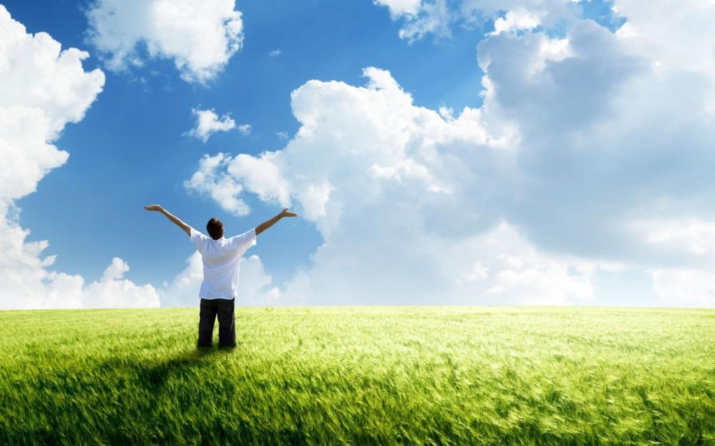 Freedom_green_land_clouds_wind_green_field_wheat_horizon_blue_sky_the_mood_man_2880x1800